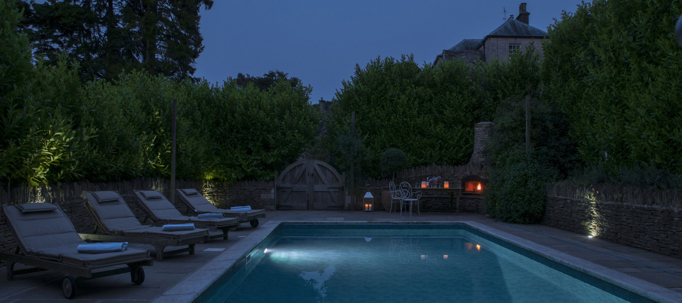 cotswold-swimming-pool-at-dusk