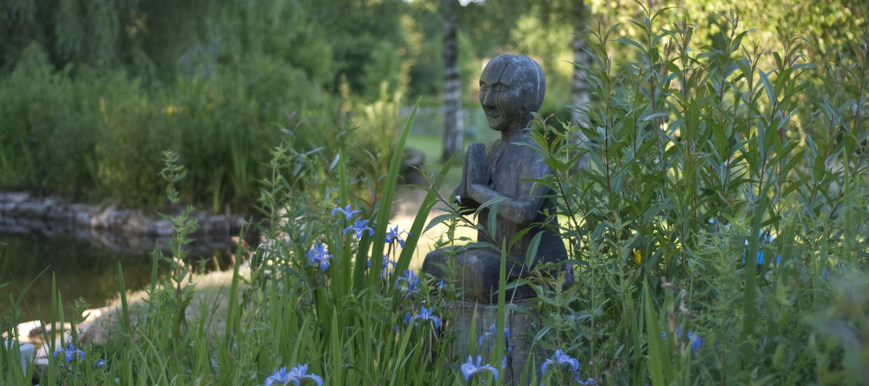 kingscote-water-garden