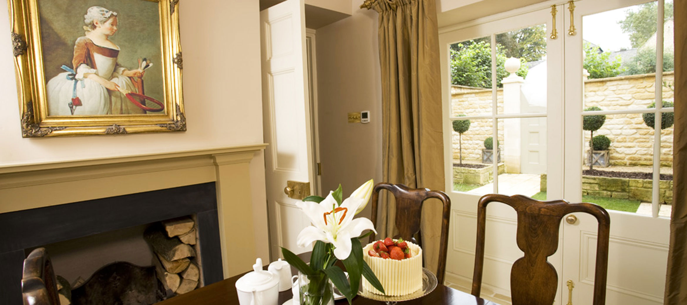 Singer-House-chipping-campden-dining-room