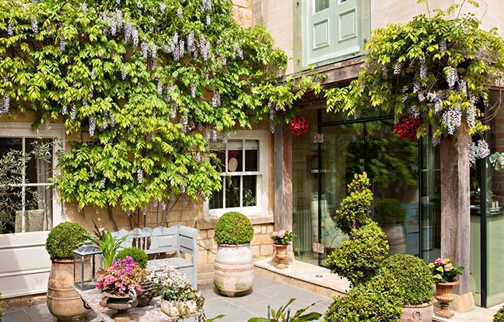 Singer-House-luxury-cotswold-cottage-Garden-featured