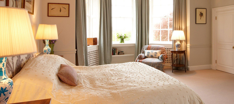 cornwell-manor-double-bedroom-ensuite