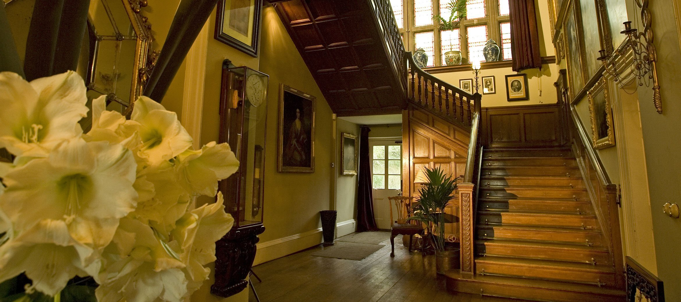 Bradley-House-Entrance-Hall-Stairs