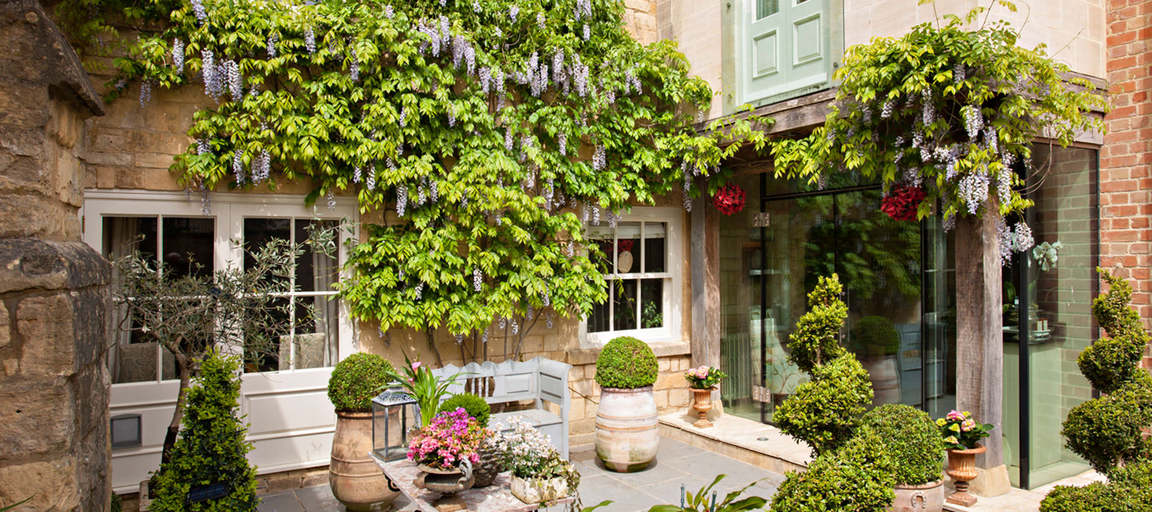 Singer-House-luxury-cotswold-cottage-Garden001