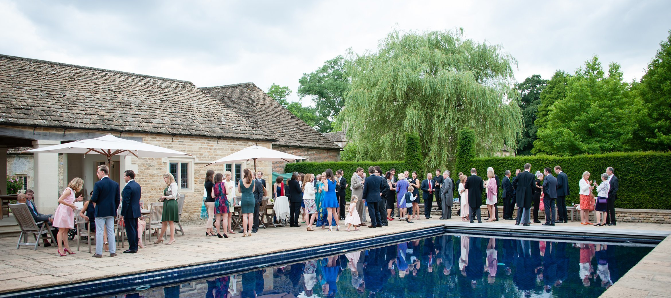 langley-house-cotswold-wedding-swimming-pool