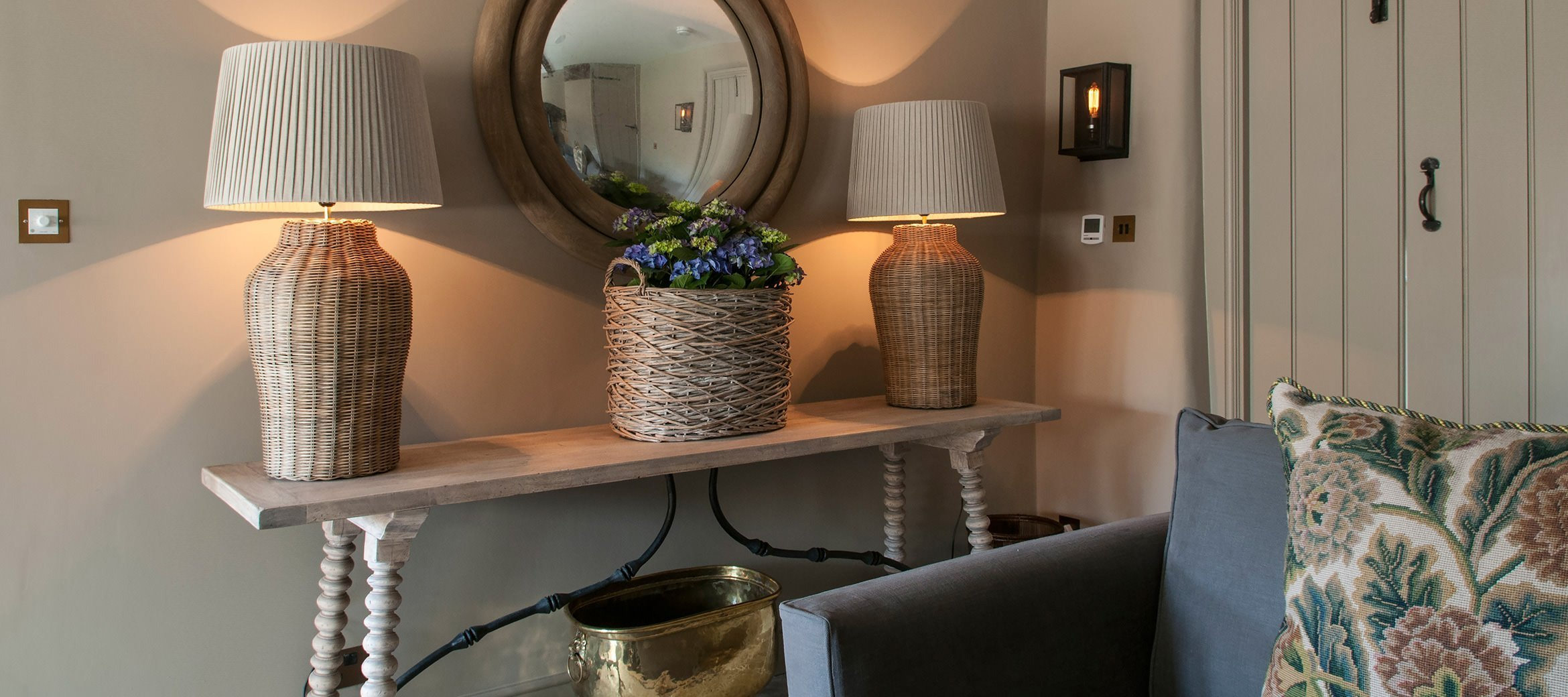 dovecote-luxury-cotswold-cottage-sitting-room-console-table