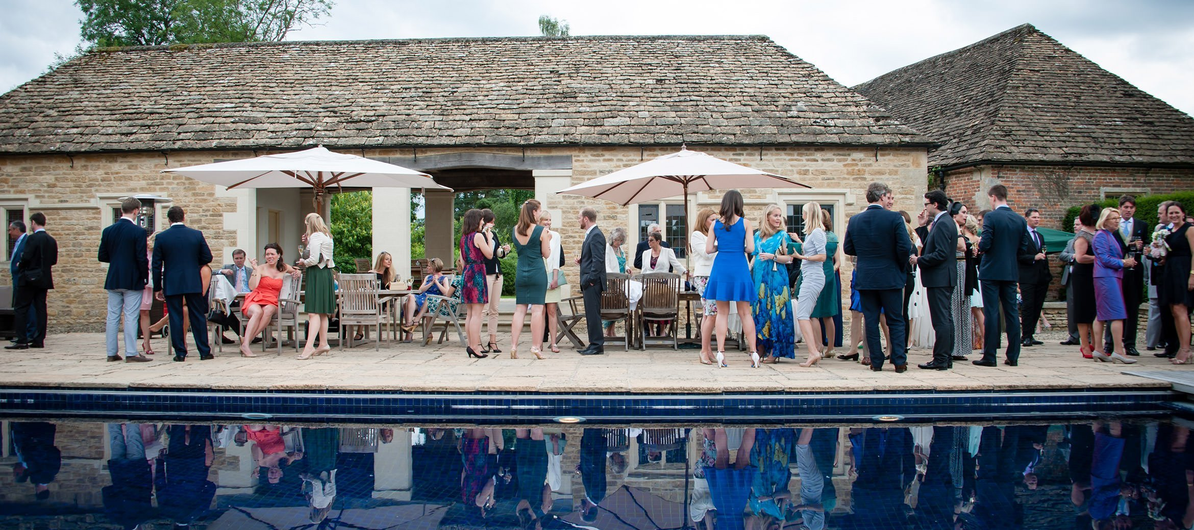 langley-park-cotswold-wedding-swimming-pool