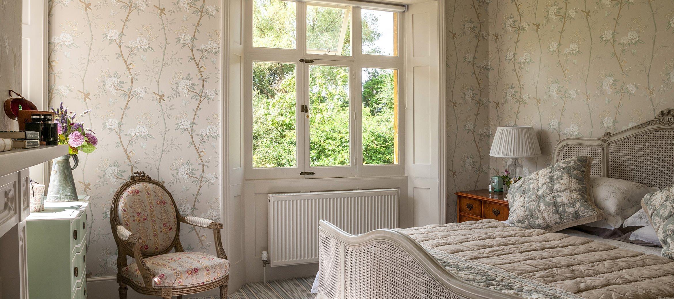 old-rectory-broadway-master-bedroom-view