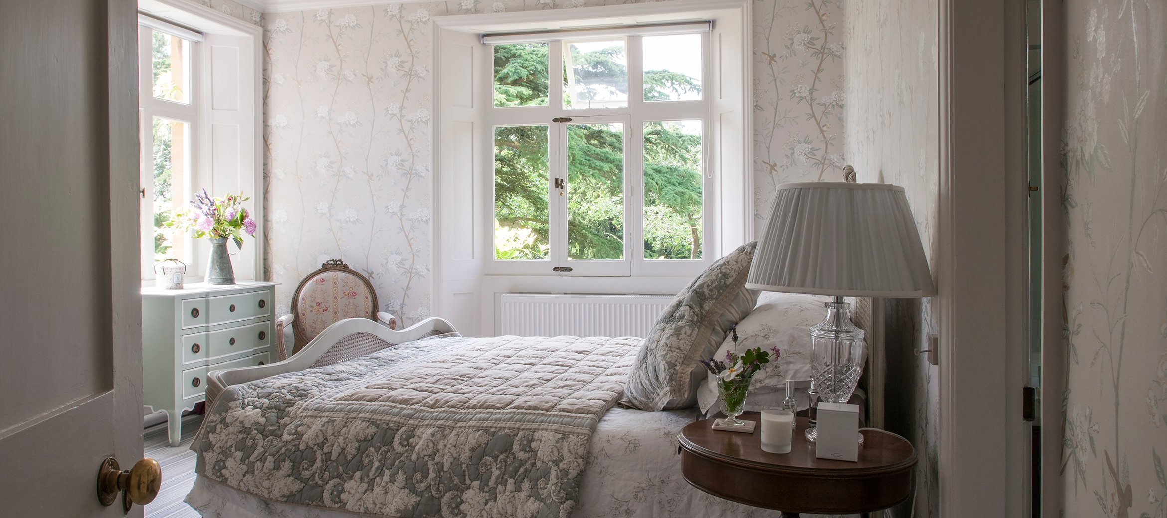 old-rectory-broadway-master-bedroom