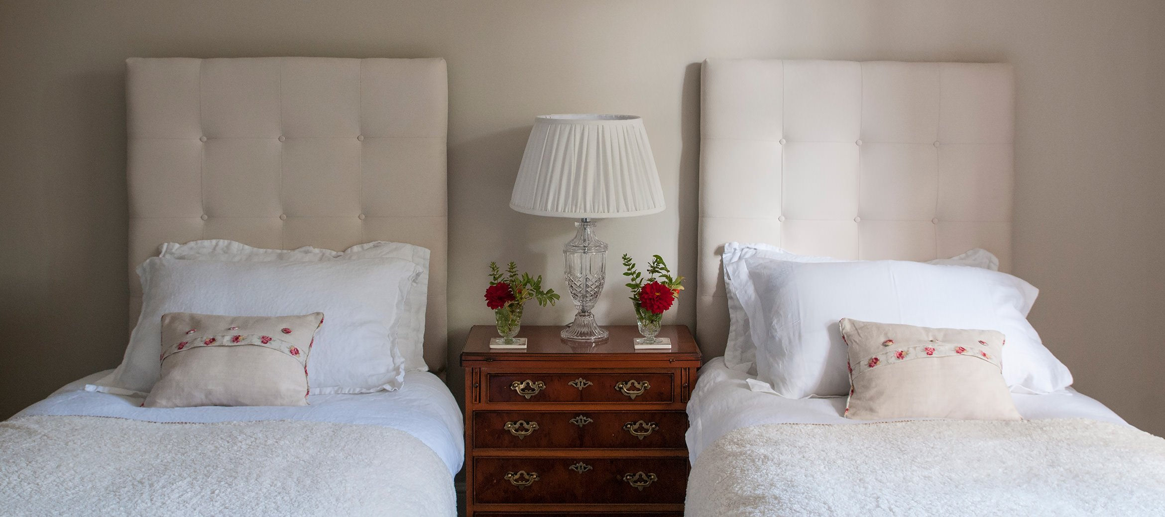 old-rectory-broadway-twin-bedroom