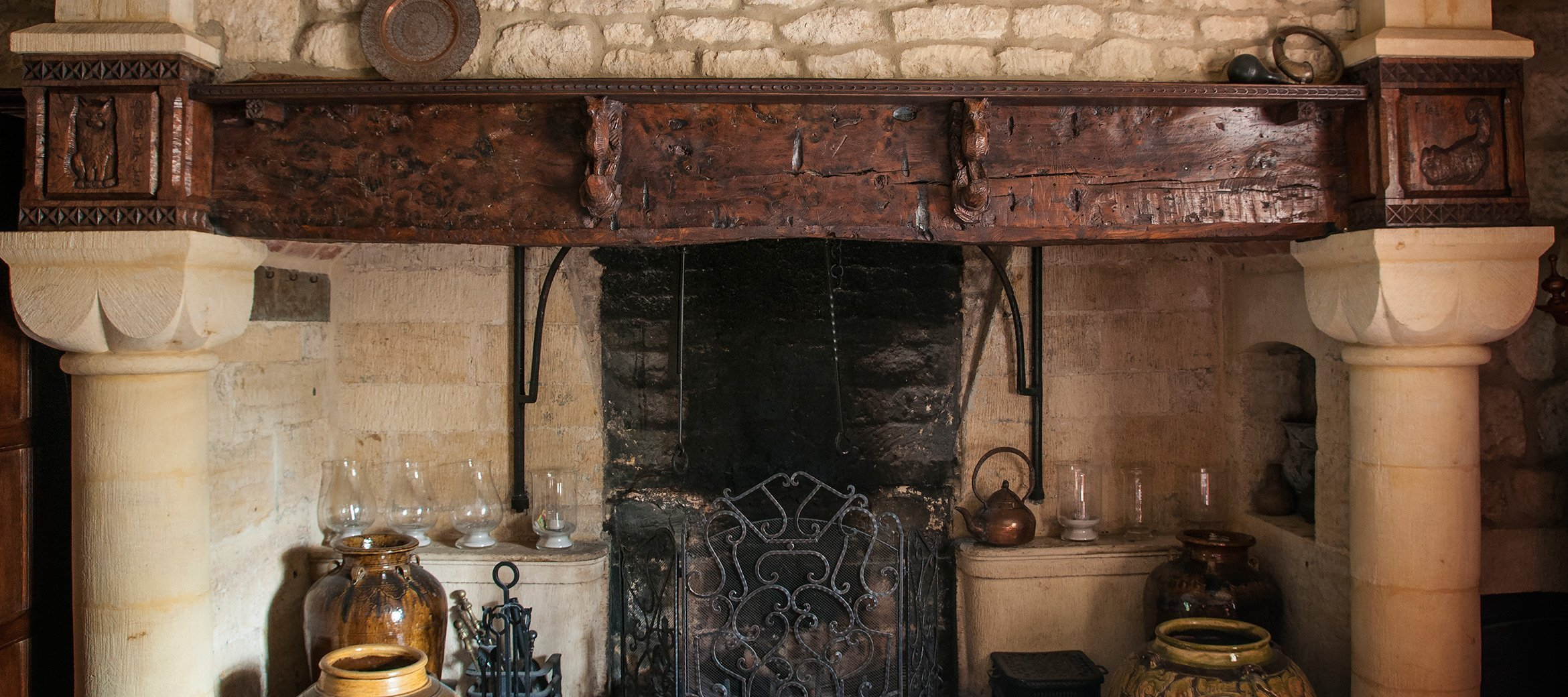 broadway-cotswold-manor-house-fireplace