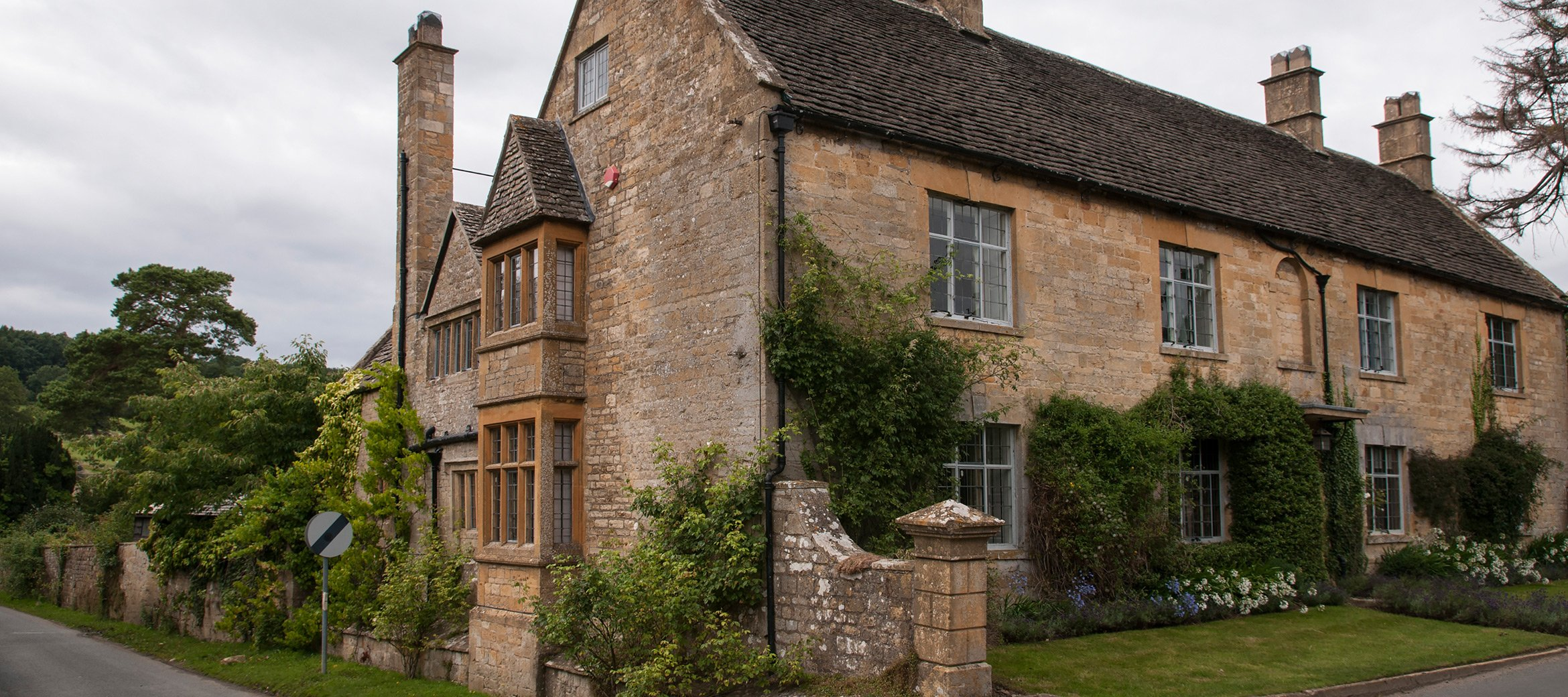 broadway-cotswold-manor-house-main-facade