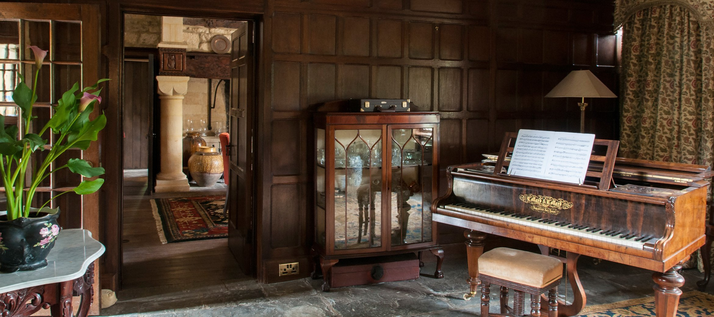 broadway-cotswold-manor-house-music-room