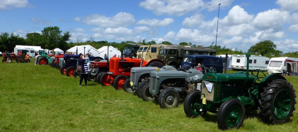 lechlade rally country show luxury cotswold rentals