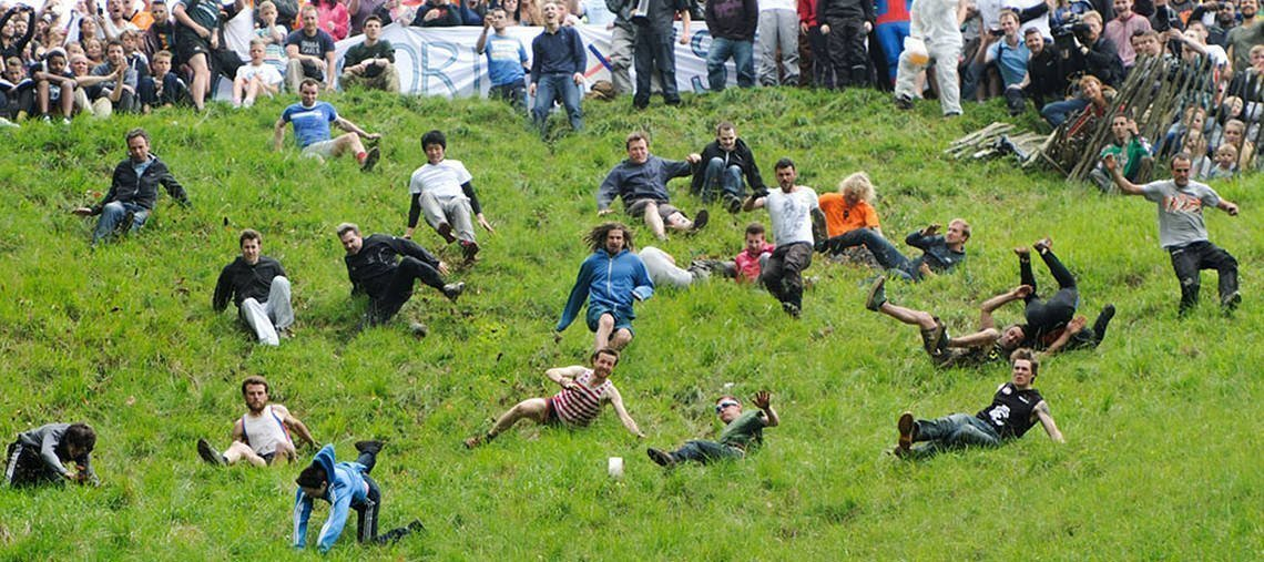 how to play cheese rolling