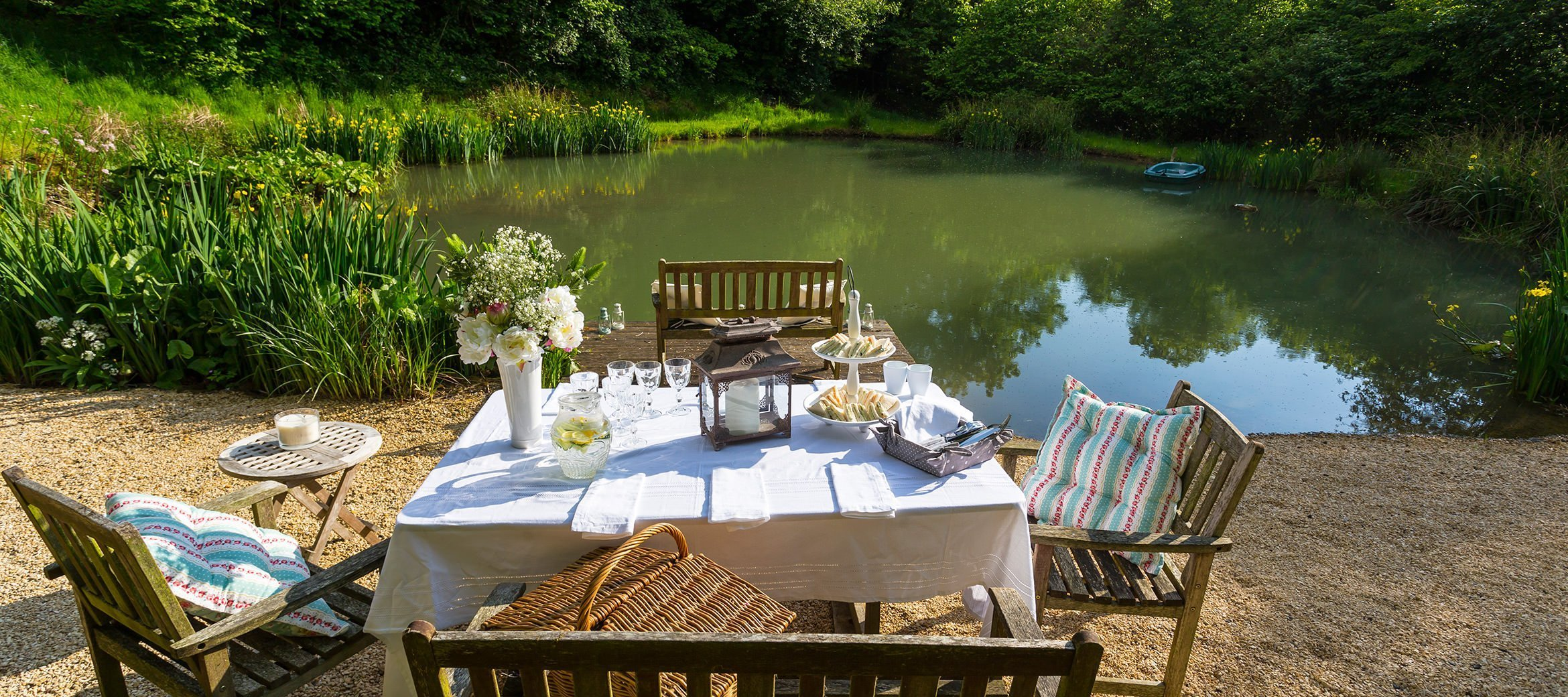 dryhill-lake-side-dining