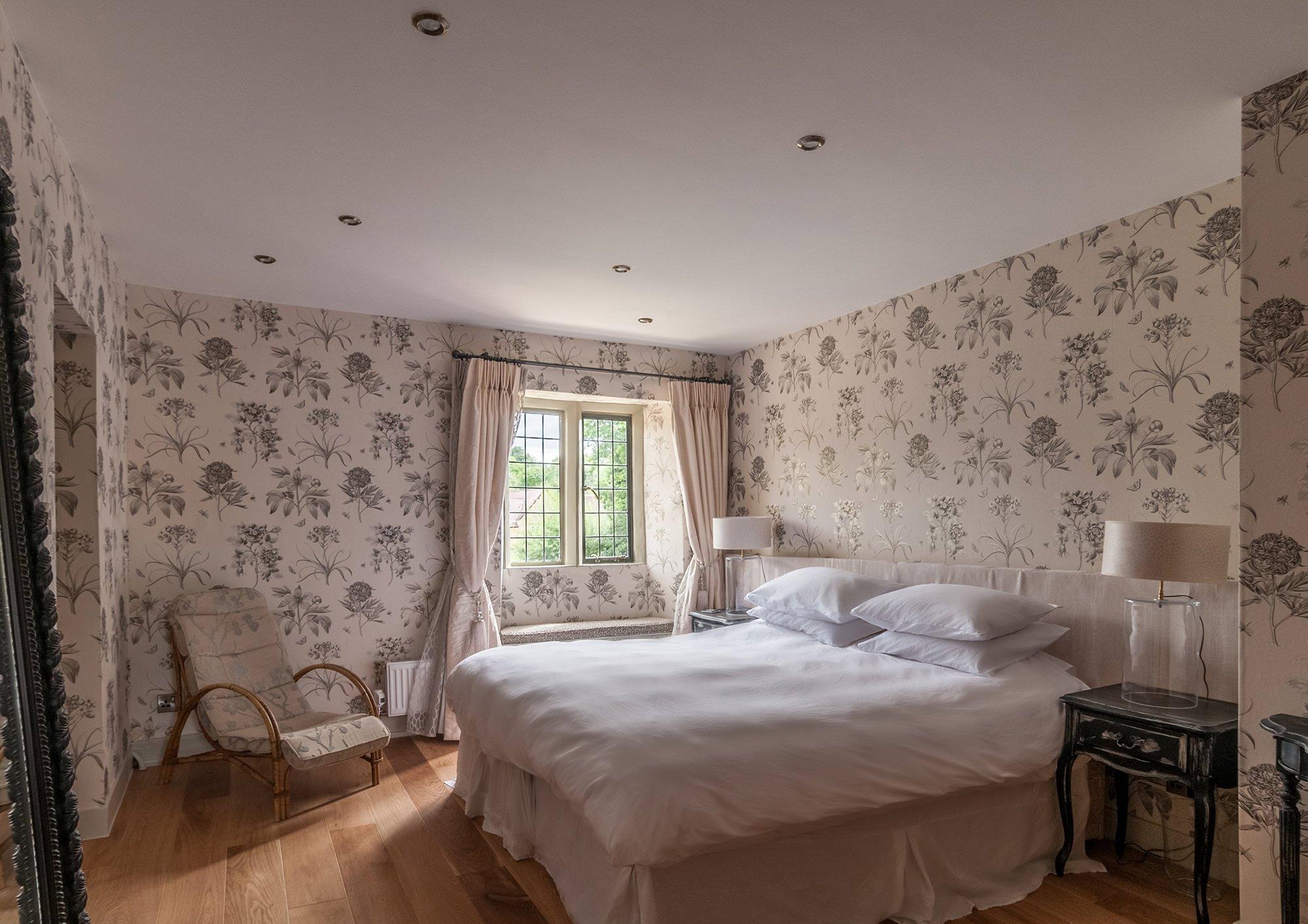 lower-brook-house-en-suite-bedroom