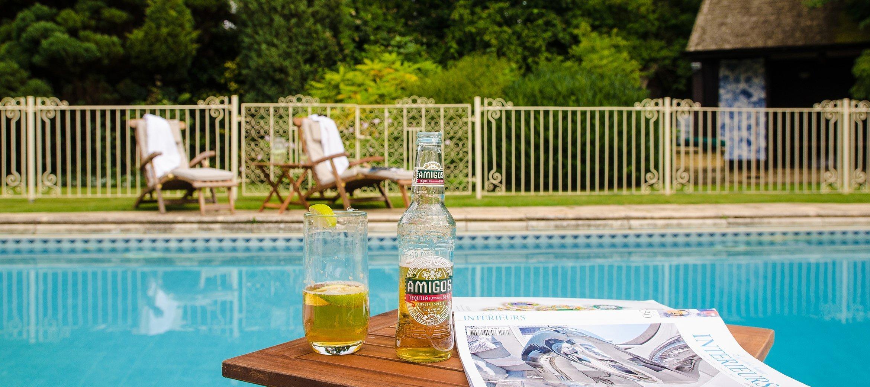 pye-corner-broadway-swimming-pool-loungers