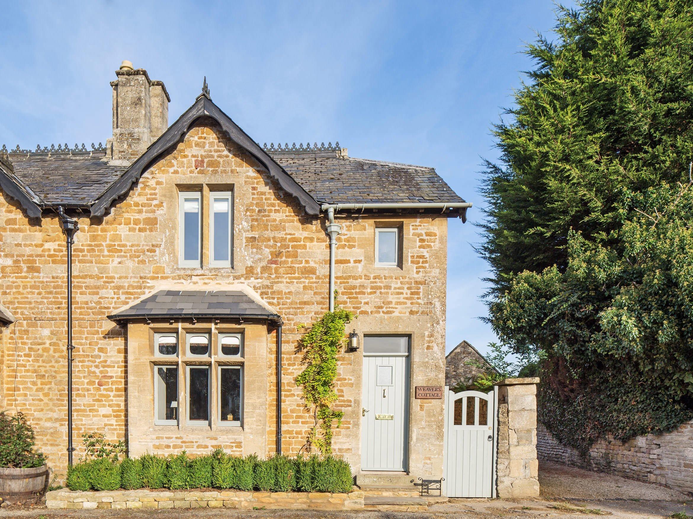 luxury-kingham-weavers-cottage-01