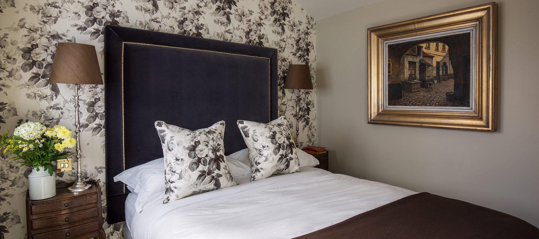 luxury-kingham-weavers-cottage-garden-suite