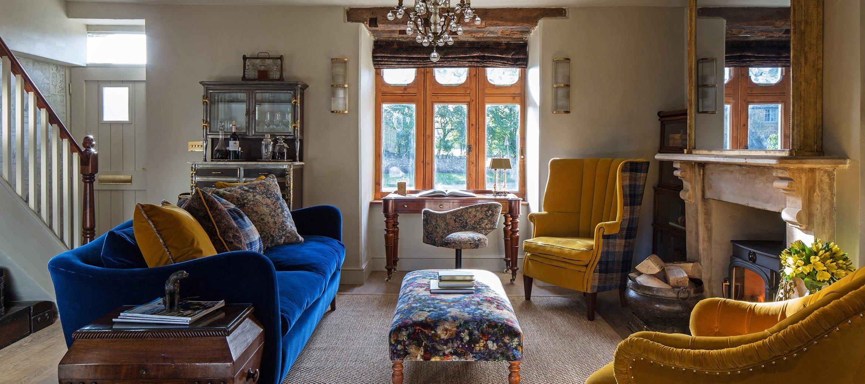 luxury-kingham-weavers-cottage-sitting-room-window