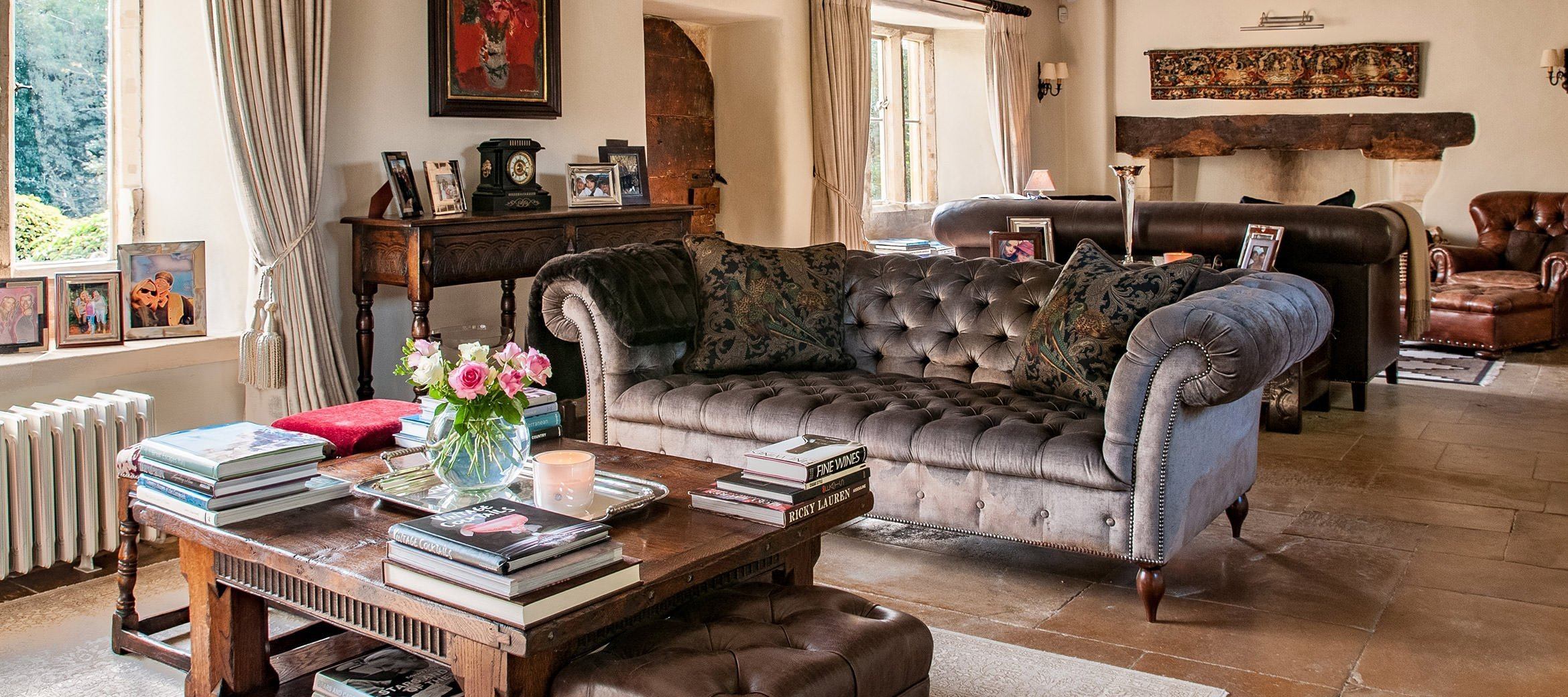 luxury-cotswold-farmhouse-chesterfield-sofa