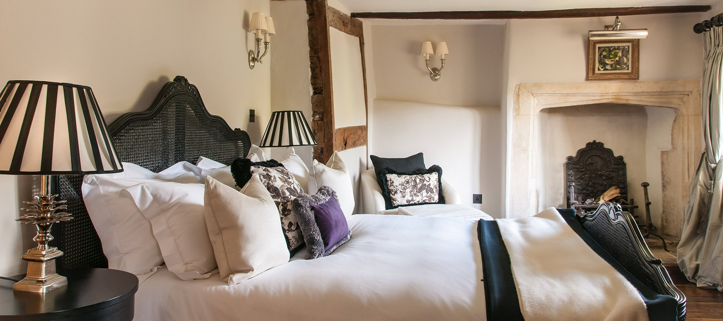 luxury-cotswold-farmhouse-double-bedroom