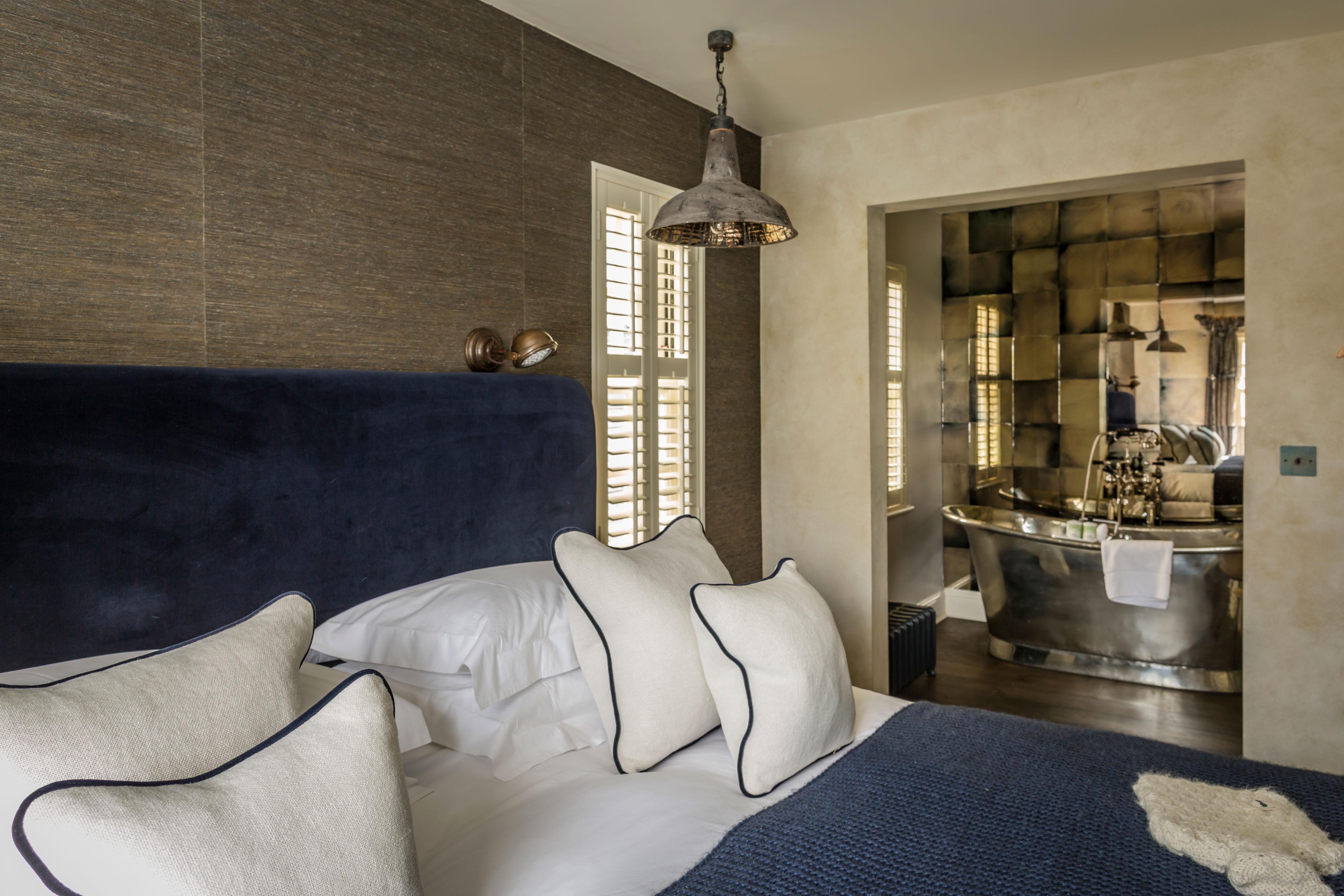 cheltenham-townhouse-38_the_park-blue-en-suite