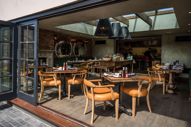 cheltenham-townhouse-38_the_park-many-dining-styles