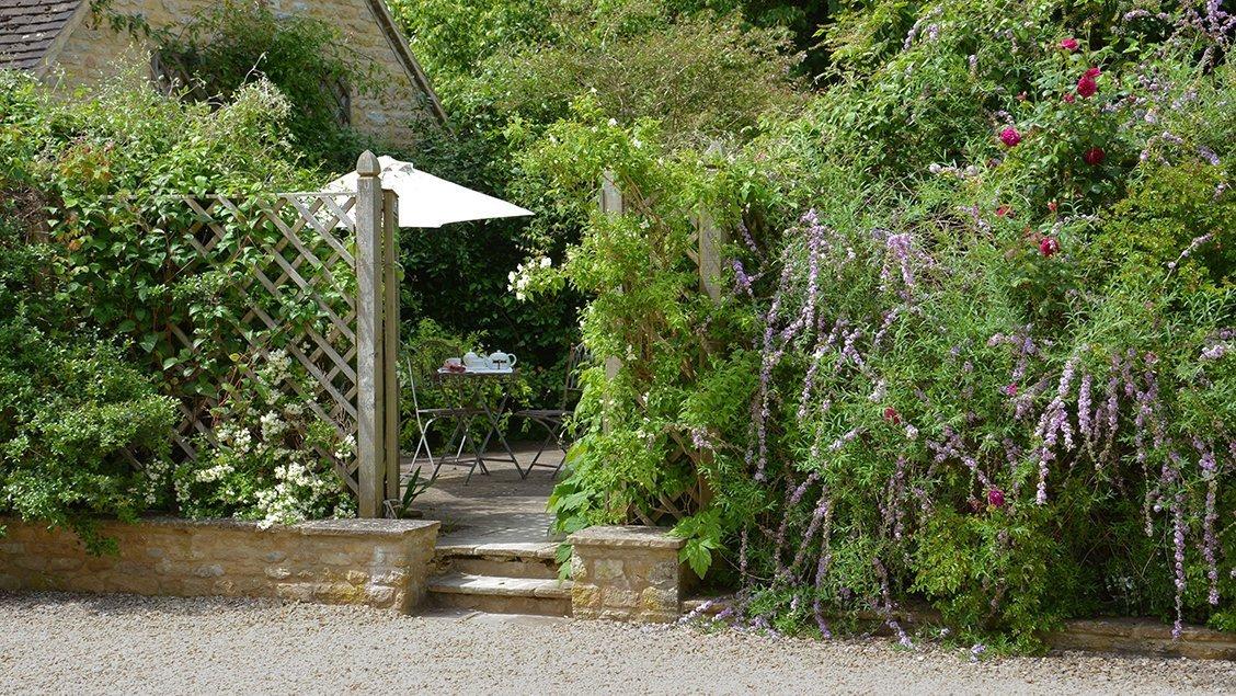 bruern-holiday-cottages-cope-garden-gate