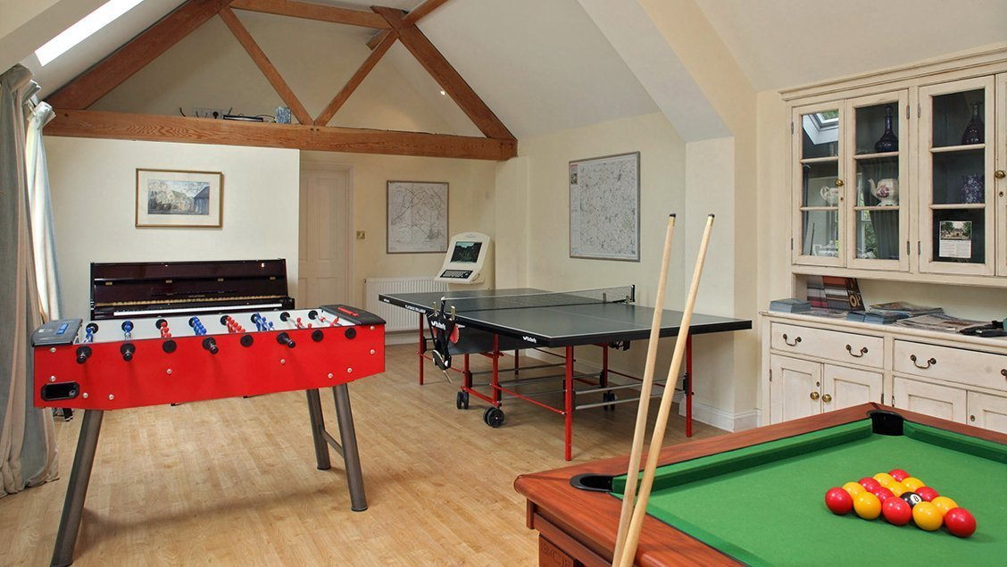 bruern-holiday-cottages-games-room
