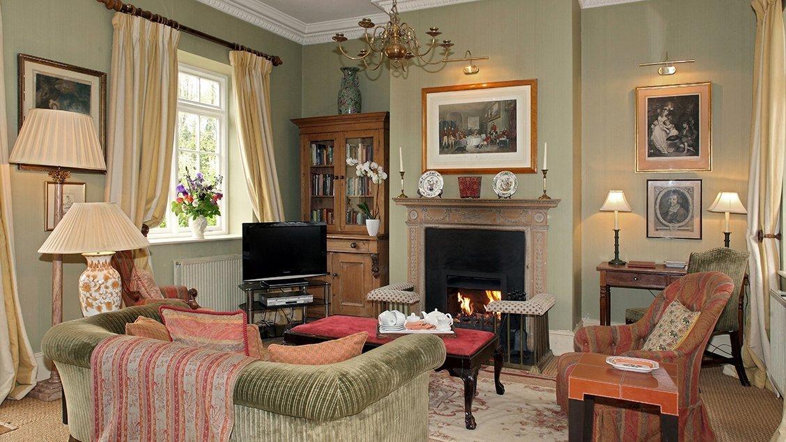 buern-luxury-cotswold-cottages-sandown-cottage-open-fire