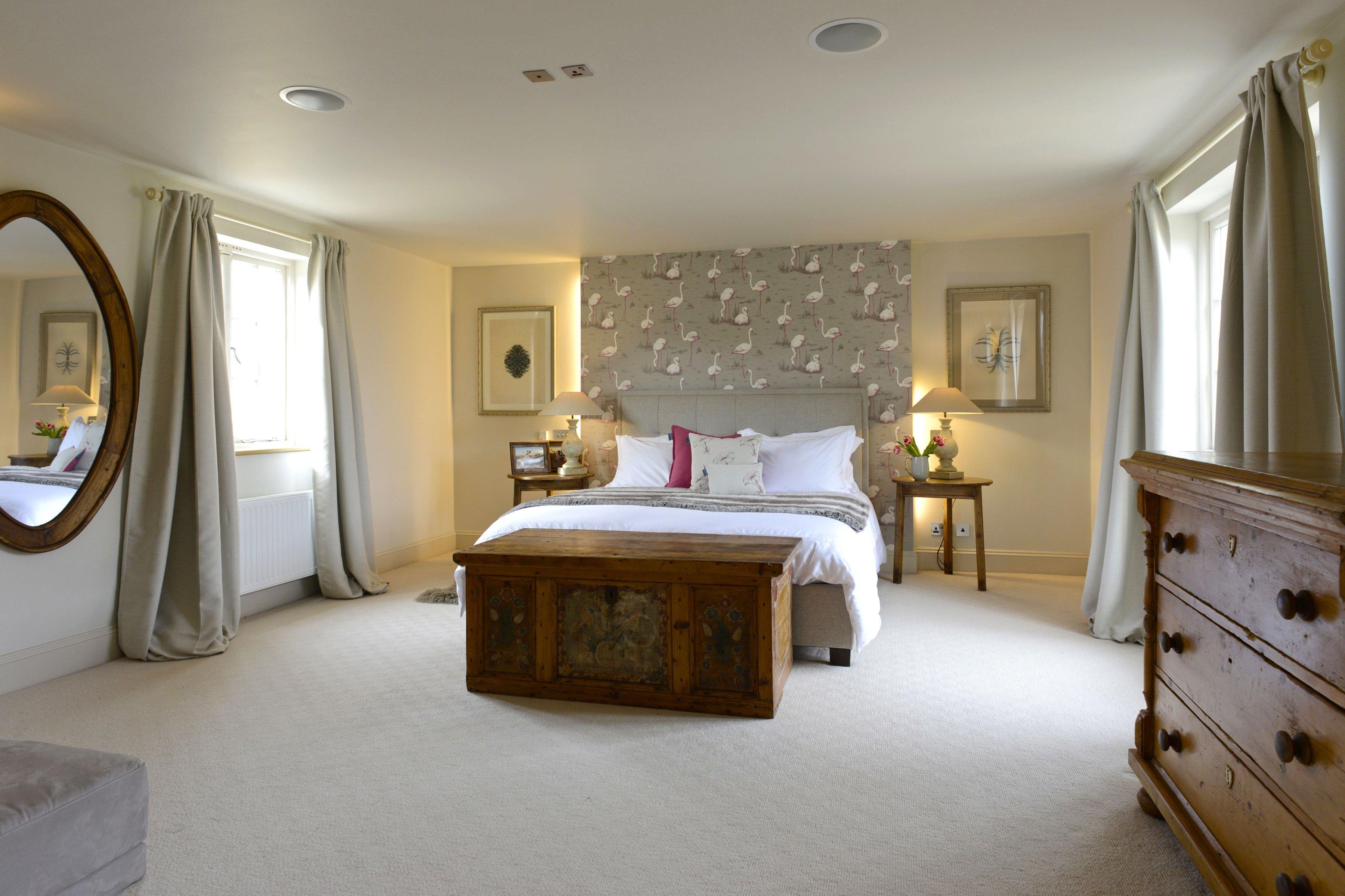 the-laurels-draycott-master-bedroom
