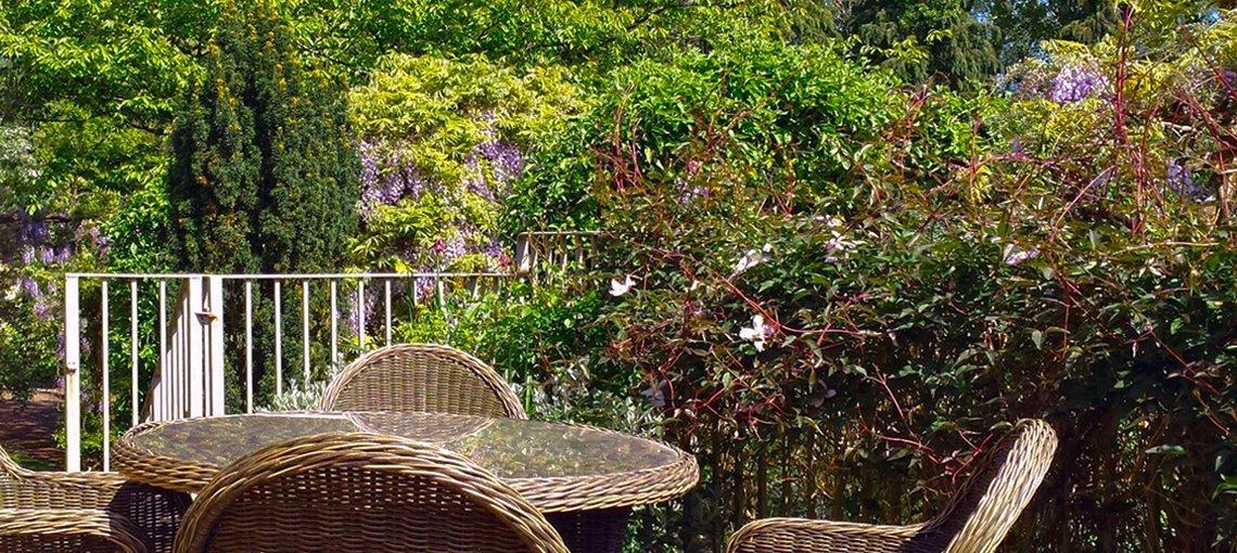 bruern-holiday-cottages-wychwood-cottage-garden