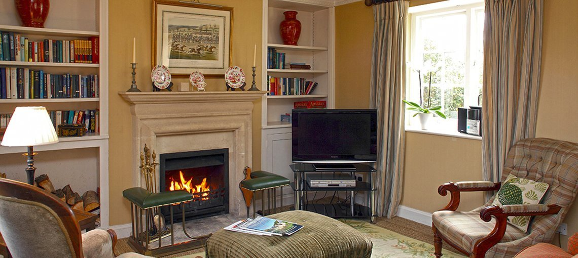bruern-holiday-cottages-wychwood-cottage-sitting-room