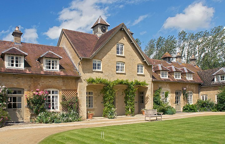 Goodwood cottage bruern luxury cotswold rentals luxury for Luxury holiday rentals uk
