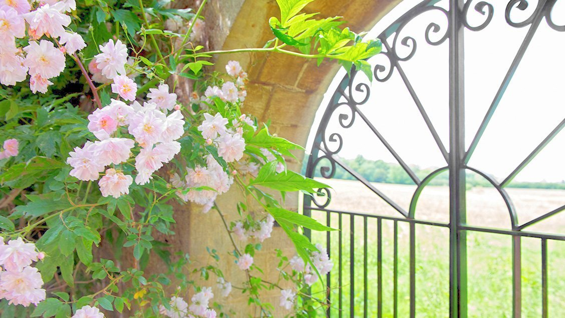 bruern-holiday-cottages-garden-gate
