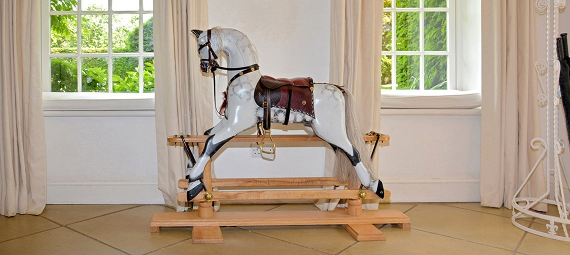 bruern-holiday-cottages-rocking-horse