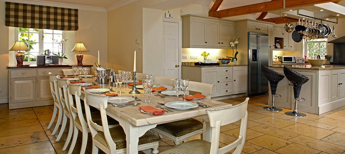 bruern-holiday-cottages-weir-dining-room