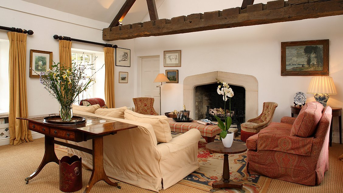 bruern-holiday-cottages-weir-drawing-room