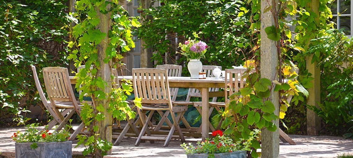 bruern-holiday-cottages-weir-outdoor-dining