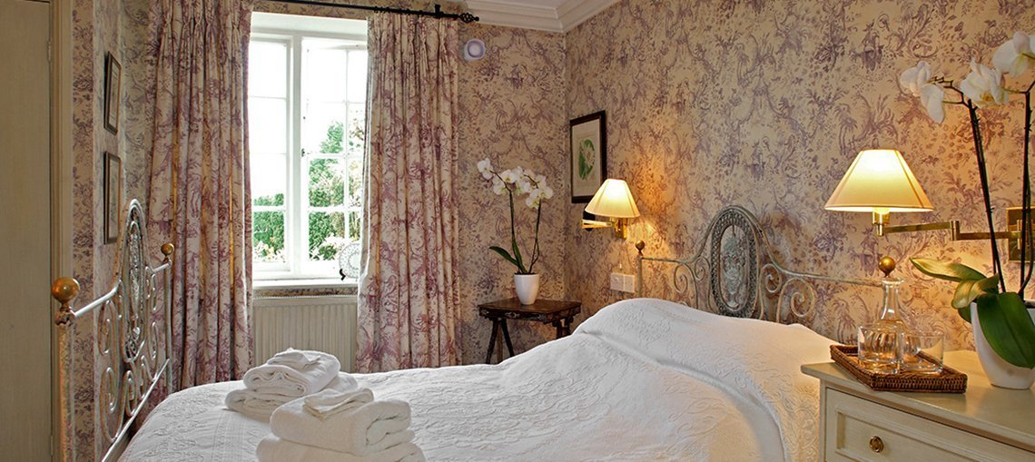 bruern-luxury-cottages-newmarket-bedroom