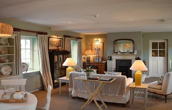cheltenham-cottage-bruern-featured