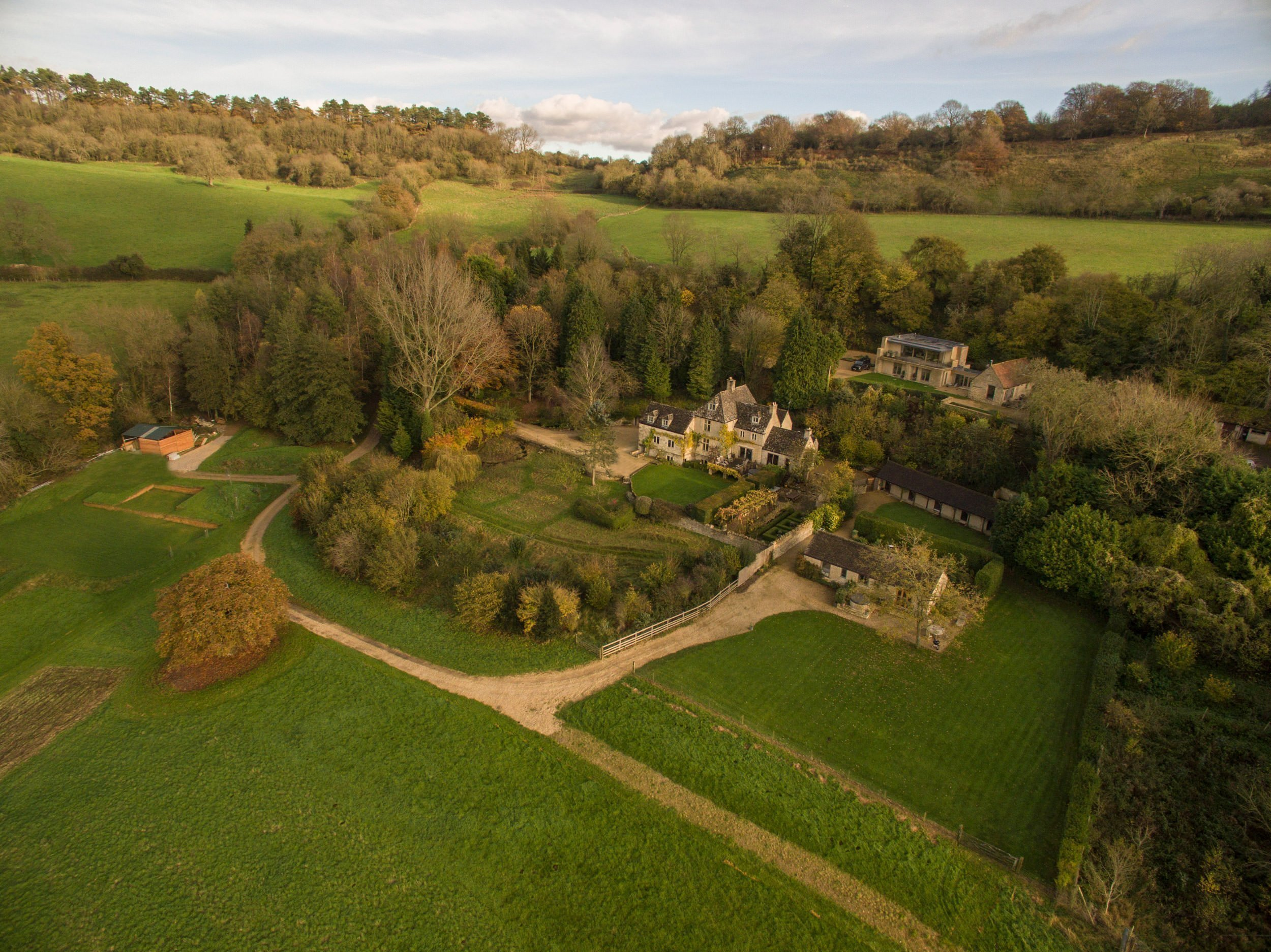 dryhill-luxury-cotswold-estate