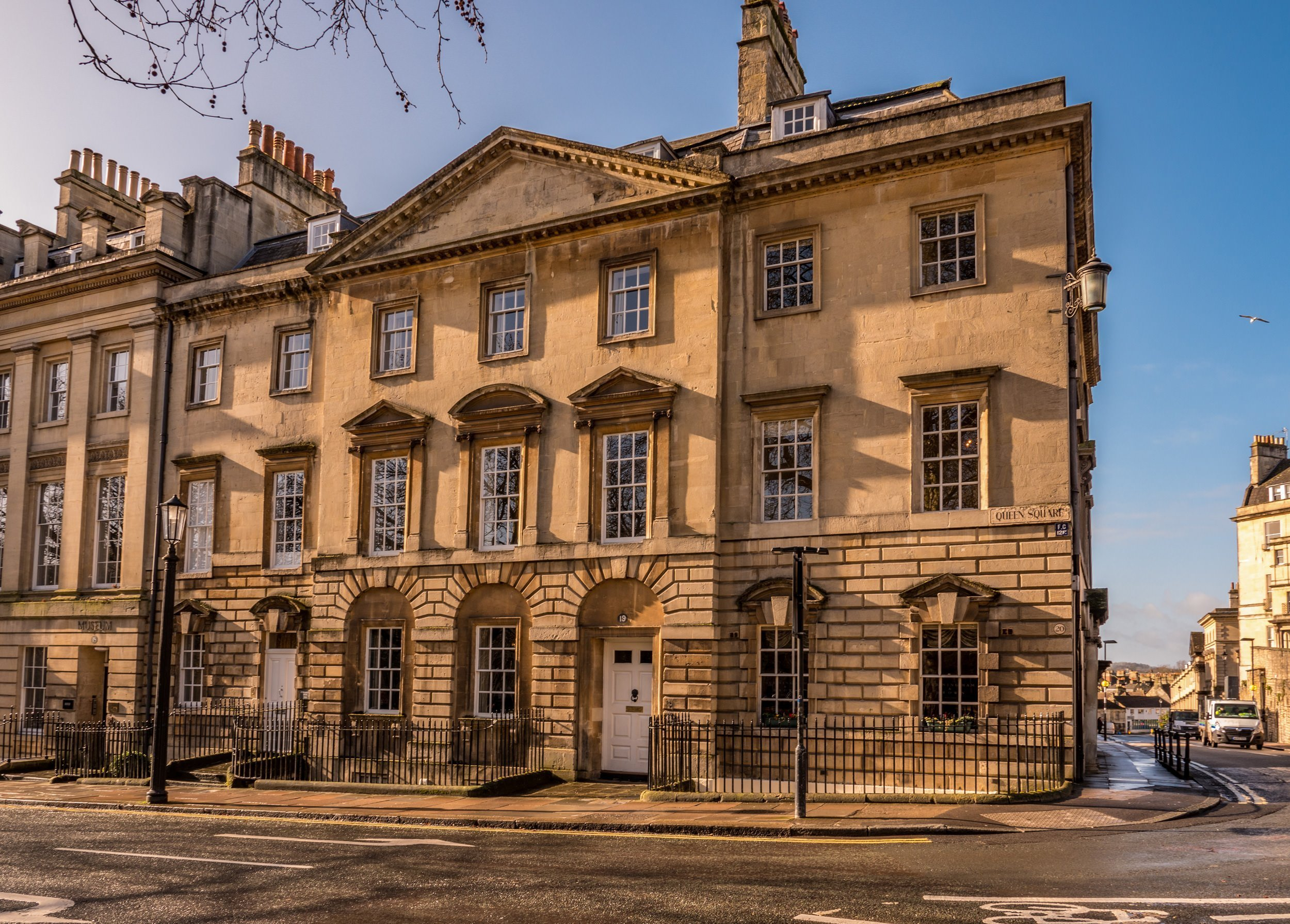 queen-square-bath-luxury-bath-townhouse