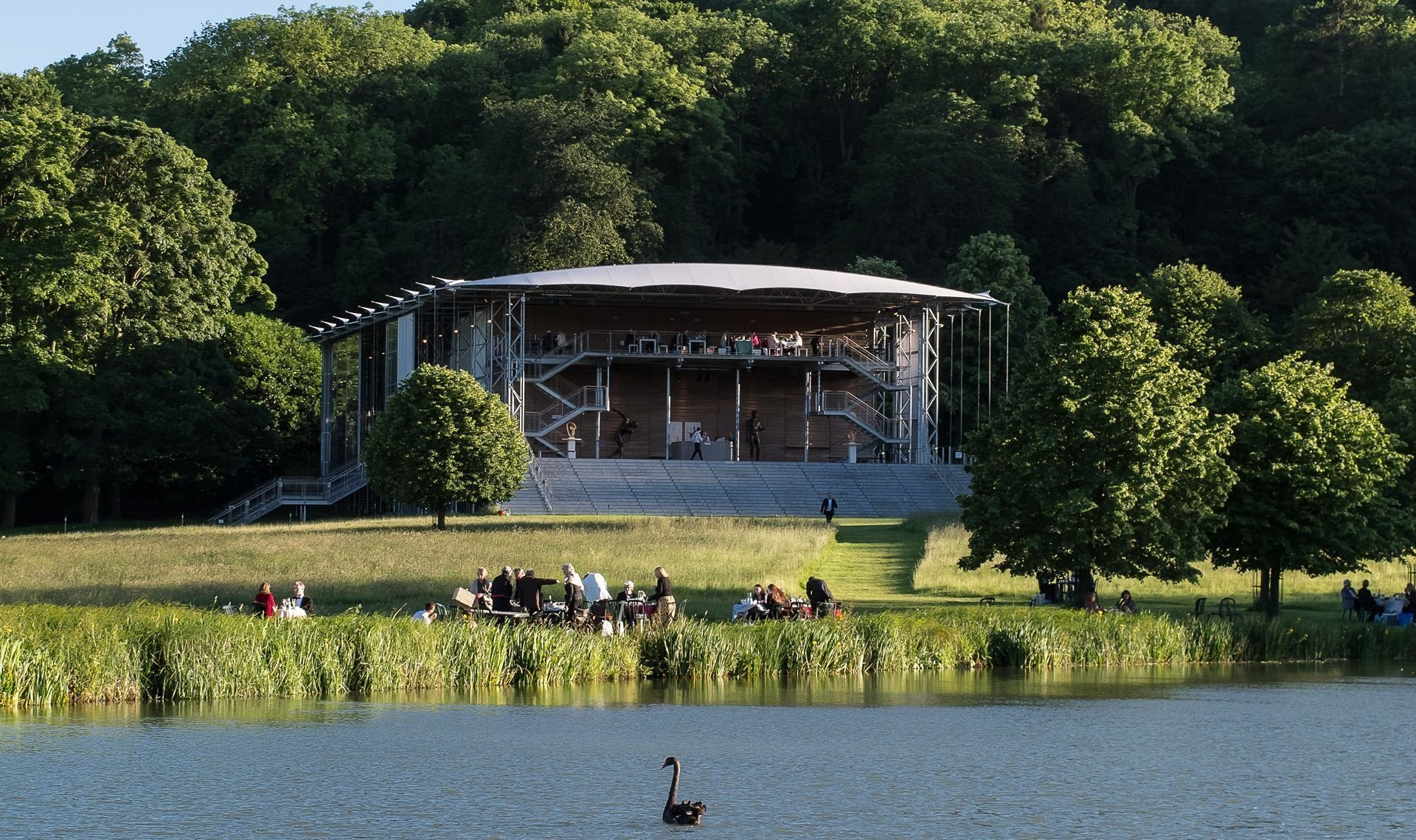 Garsington Opera The Turn Of The Screw - Luxury Cotswold Rentals